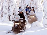 http://www.mightyfinecompany.com/landing/experience/snowmobiling/snowmobiling4.jpg